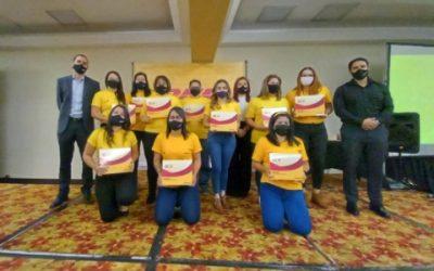 DHL gradúa a primera generación del  Programa de Mujeres Montacarguistas