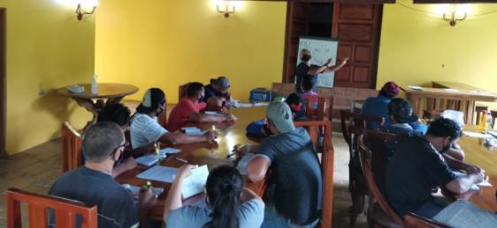 Fyffes lanza campaña de seguridad vial en sus fincas de piñas y banano en Costa Rica